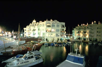 benalmadena port sights, puerto marina views