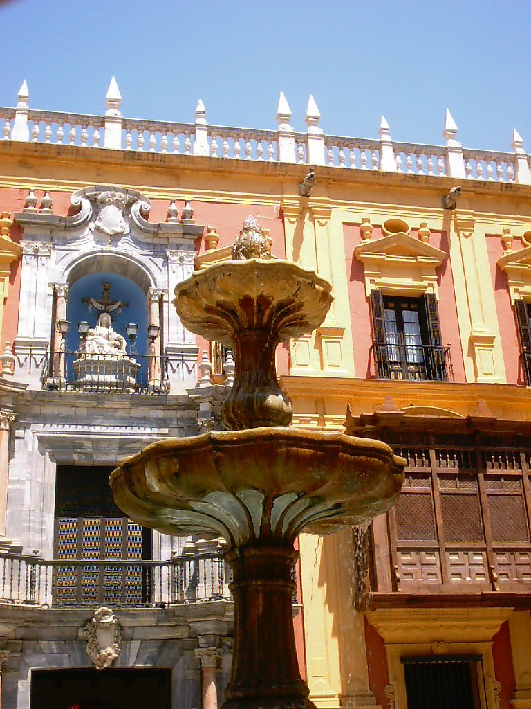 malaga cathedral fountain