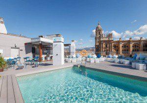 Piscina Lounge Hotel Molina Lario (2)