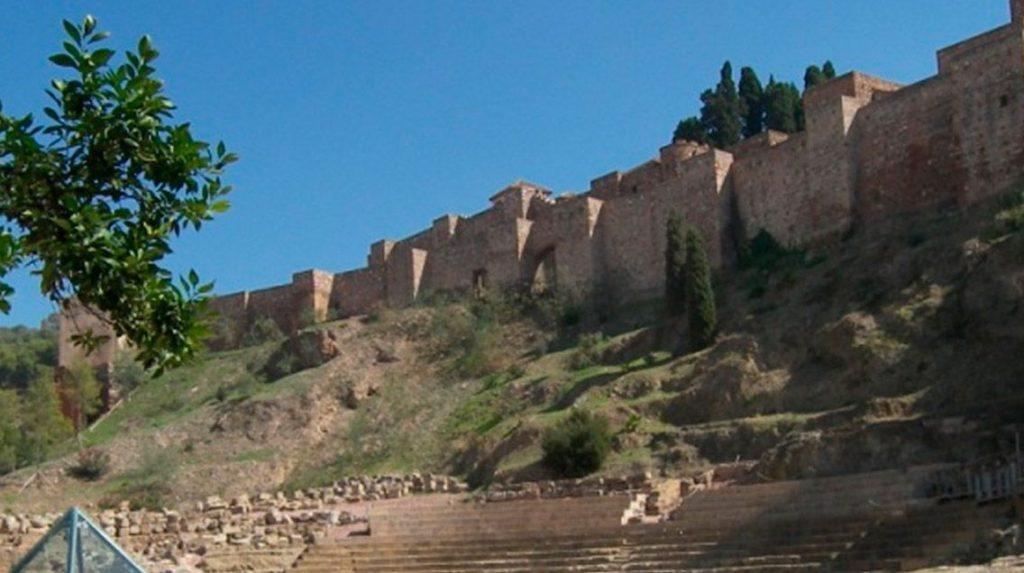 Videomapping en el muro de la Alcazaba